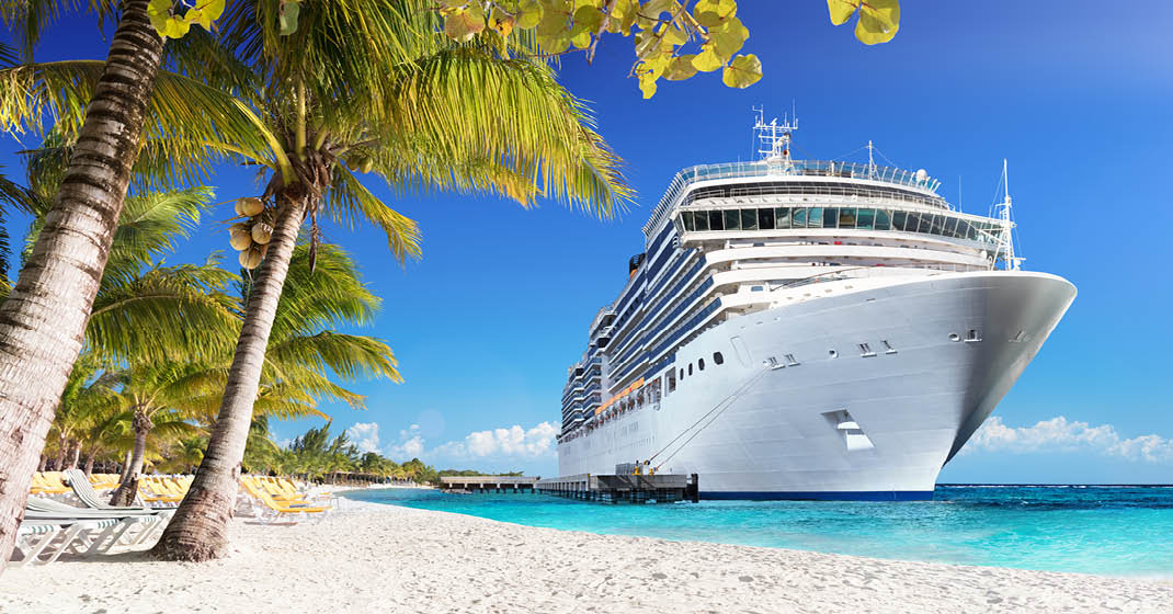 Karibik, weiße Strände, türkisblaues Meer