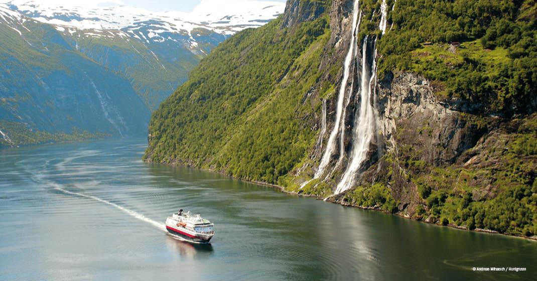 Schneeschmelze in den Fjorden