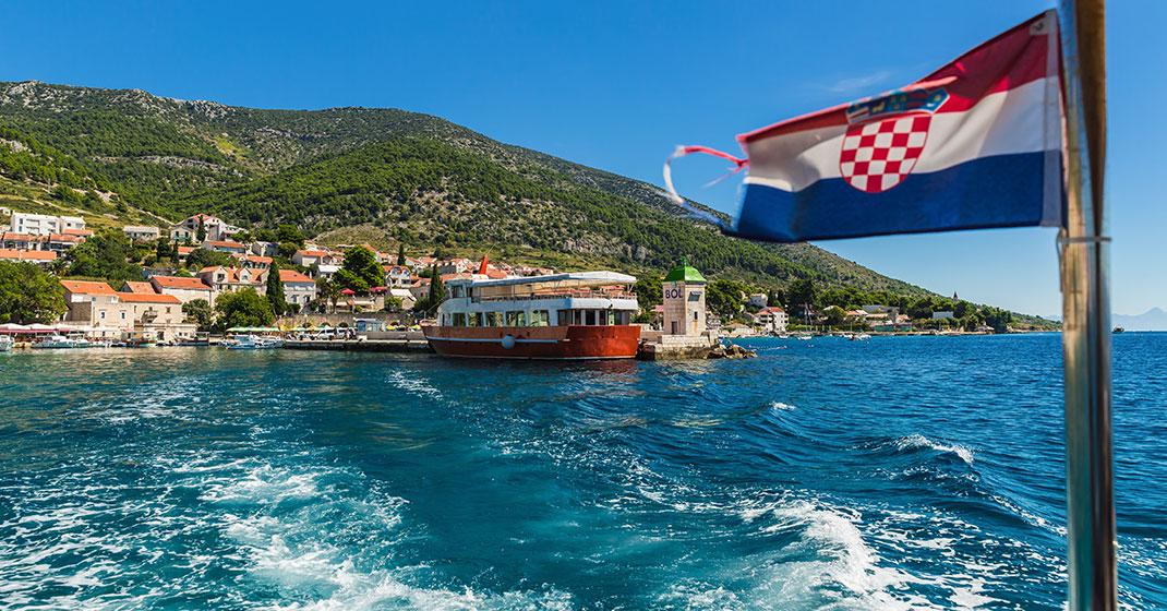 Kroatien_Wandern_Küste vom Wasser aus