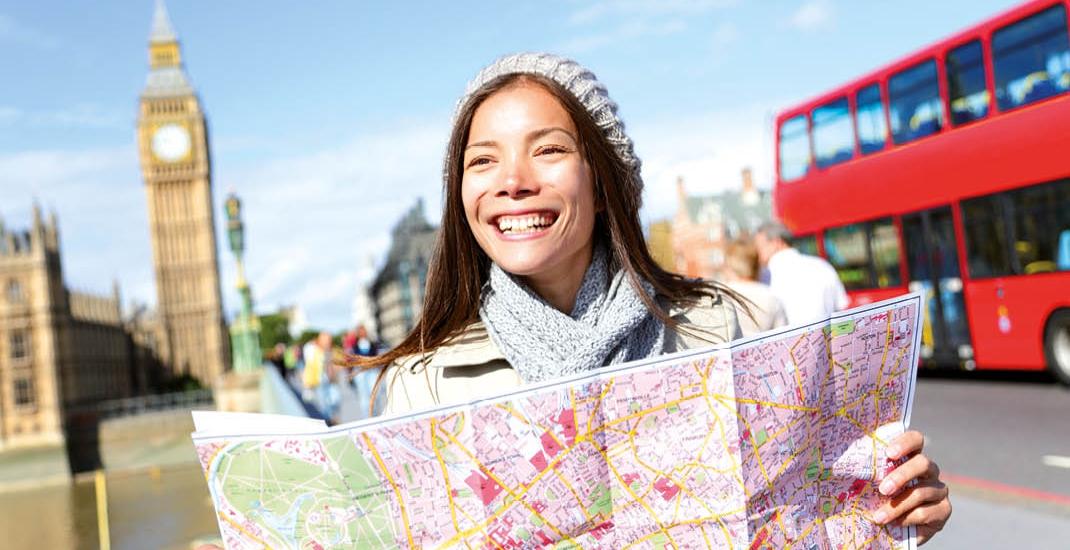 London_Frau-mit-Stadtplan