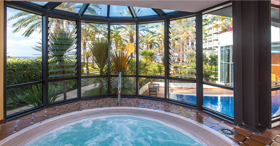 Madeira_Pestana_Grand_Ocean_Resort_Indoorpool