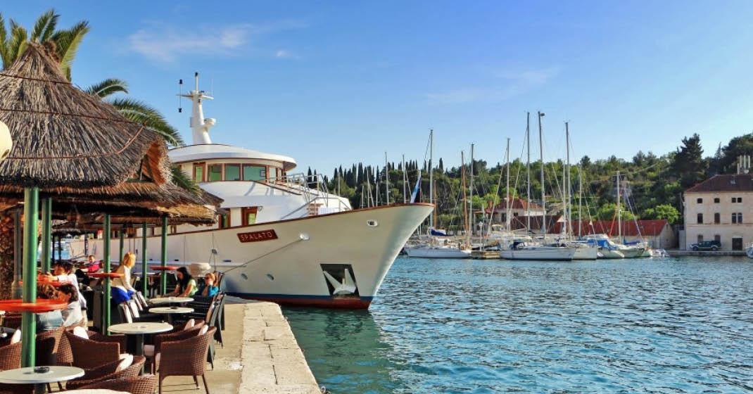 Motoryacht Spalato Hafen