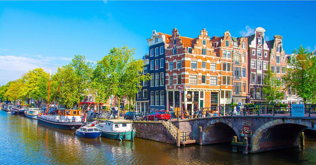 MS Asara_Amsterdam_KF8099