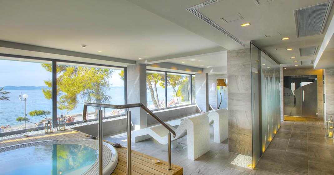 Hotel Pinija_Innenbereich_Spa_Pool_FL8460