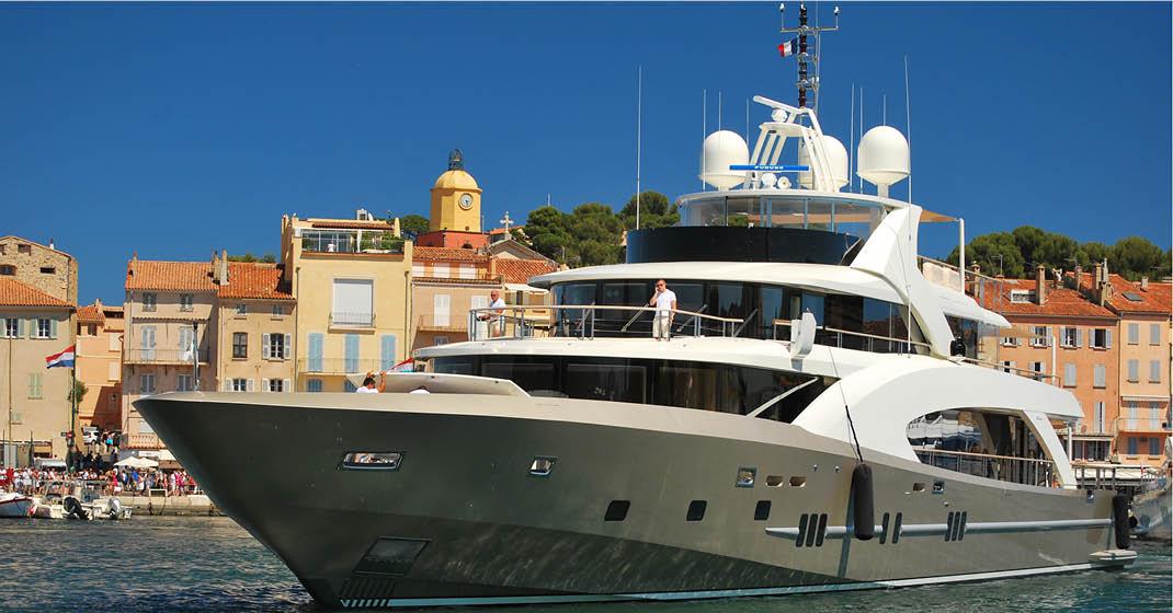 Italienische Riviera_BU8497_Yacht in St.Tropez