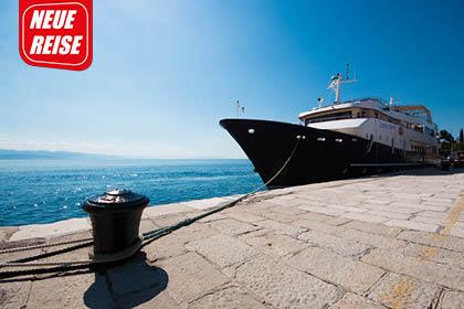 Motoyacht Lupus Mare FL8072 Beitragsbild - MOTORYACHT LUPUS MARE und Hotel Antonija