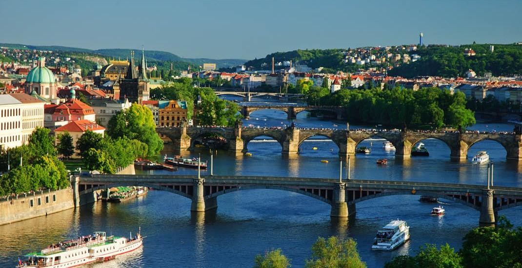 BU8732_Prag_