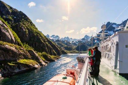 MS Trollfjord, Sommer mit Hurtigruten