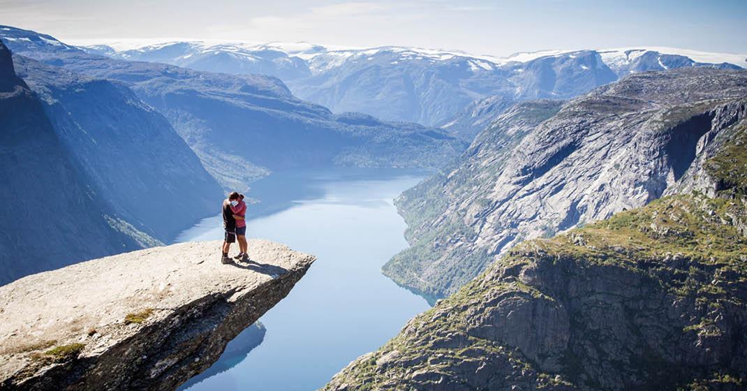 Mein Schiff 4_Traumhafter Blick in ein Fjord