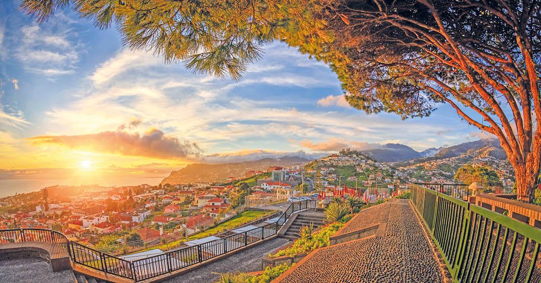 KF0624_AIDAnova_Kanaren_Blick auf Funchal