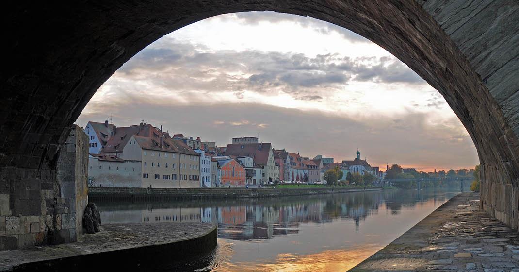 BU0543_Blick auf die Donau
