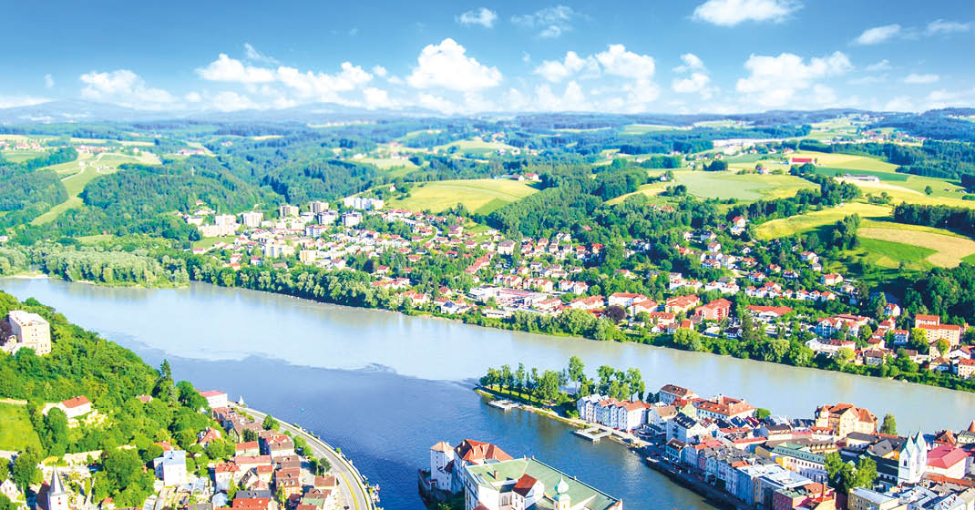 BU0543_Passau von oben