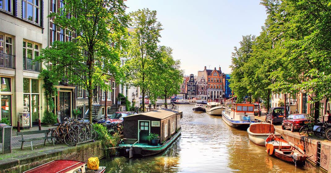 KF0071_MSAlina_Kanäle in Amsterdam